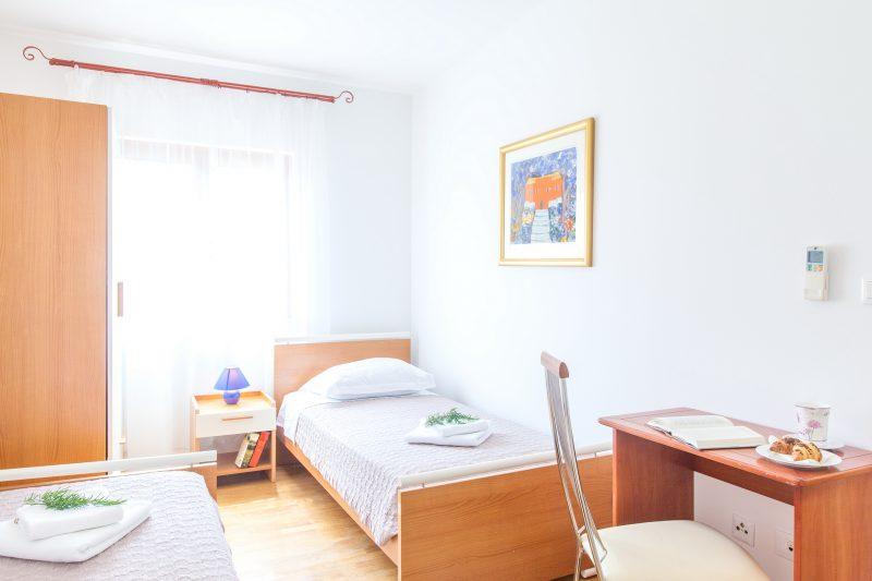 Single bedroom in Villa Mare